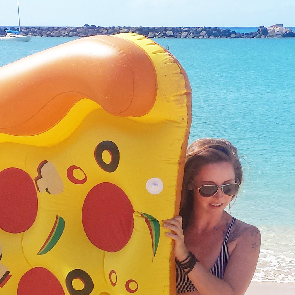 awesome pizza floatie