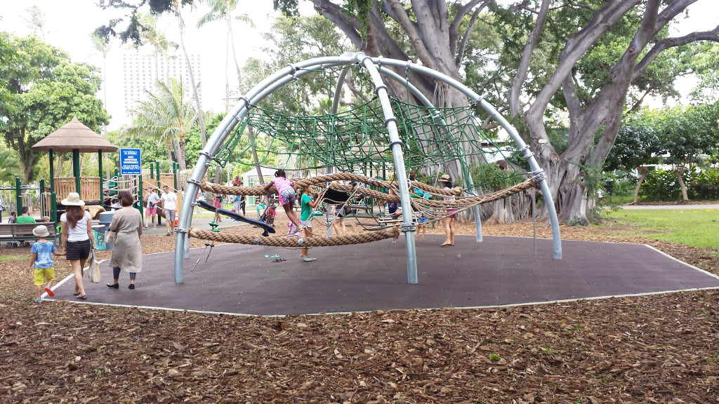 honolulu-zoo-playground-kids