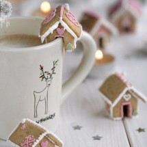 Bite-Sized Gingerbread Houses