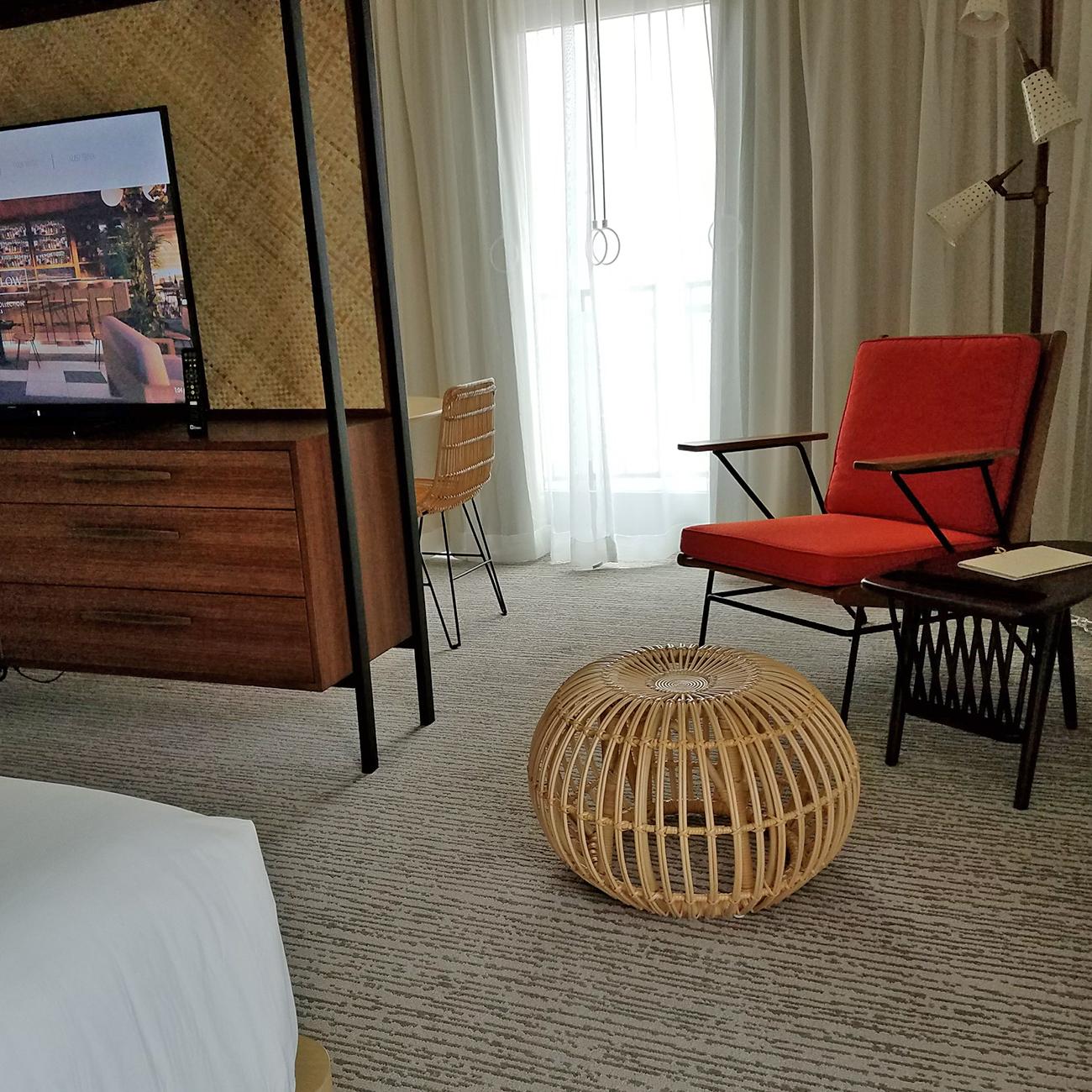 Laylow Waikiki room decor