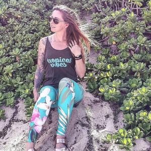 vintage-aloha-leggings